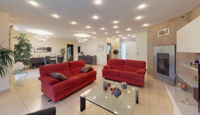 Maison de 200m² à Frouzins 3D Model